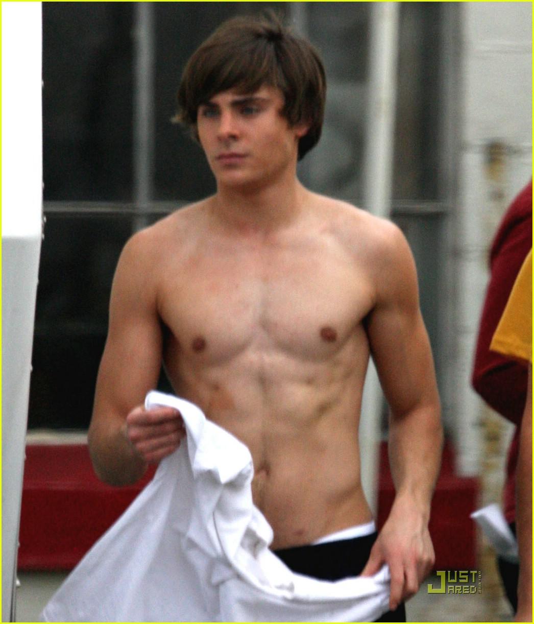 http://1.bp.blogspot.com/_iNSQe8NA9RQ/TCu-B2hAJMI/AAAAAAAAKTY/Uc9Ni4XJiNg/s1600/zac-efron-shirtless.jpg