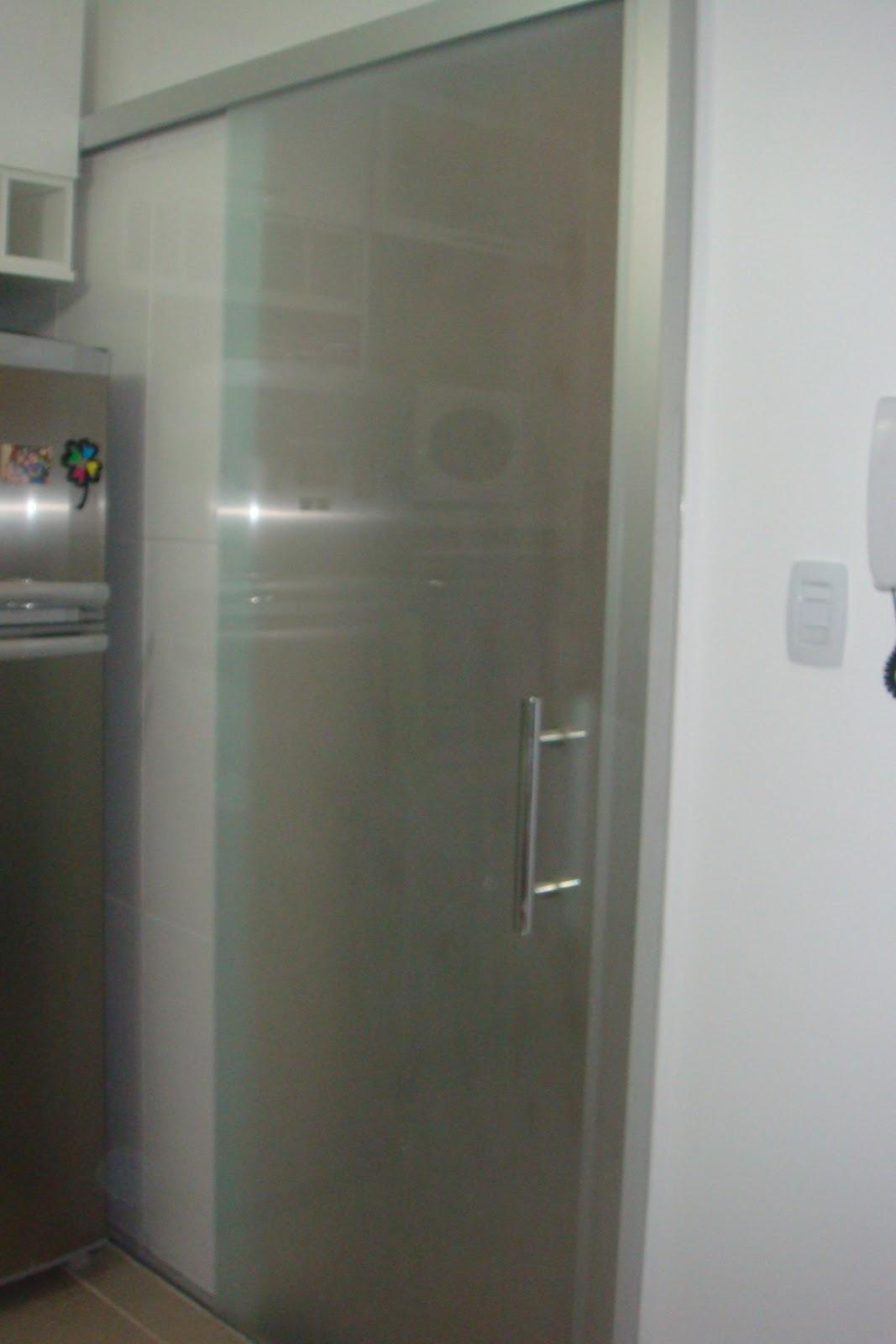 vidro jateado e para evitar que gordura pudesse grudar na porta #585147 1067x1600