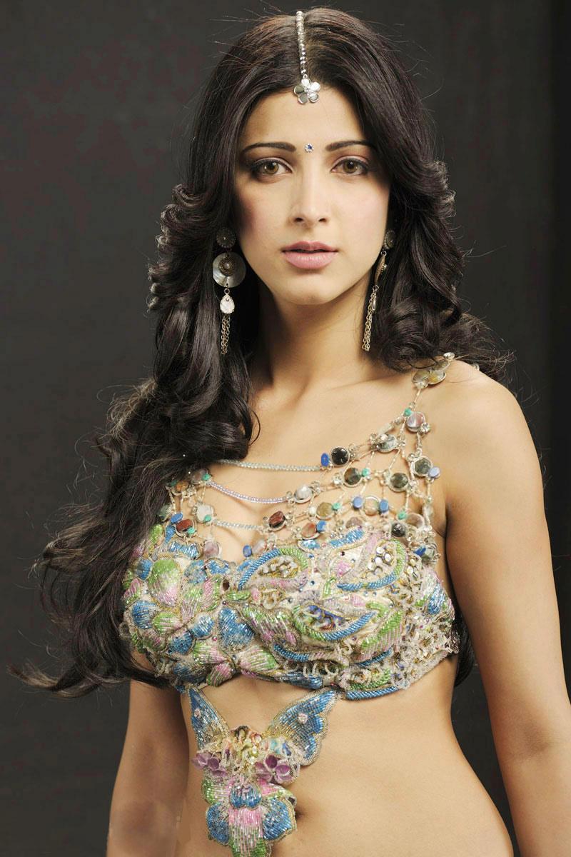 Model Shruti Hassan