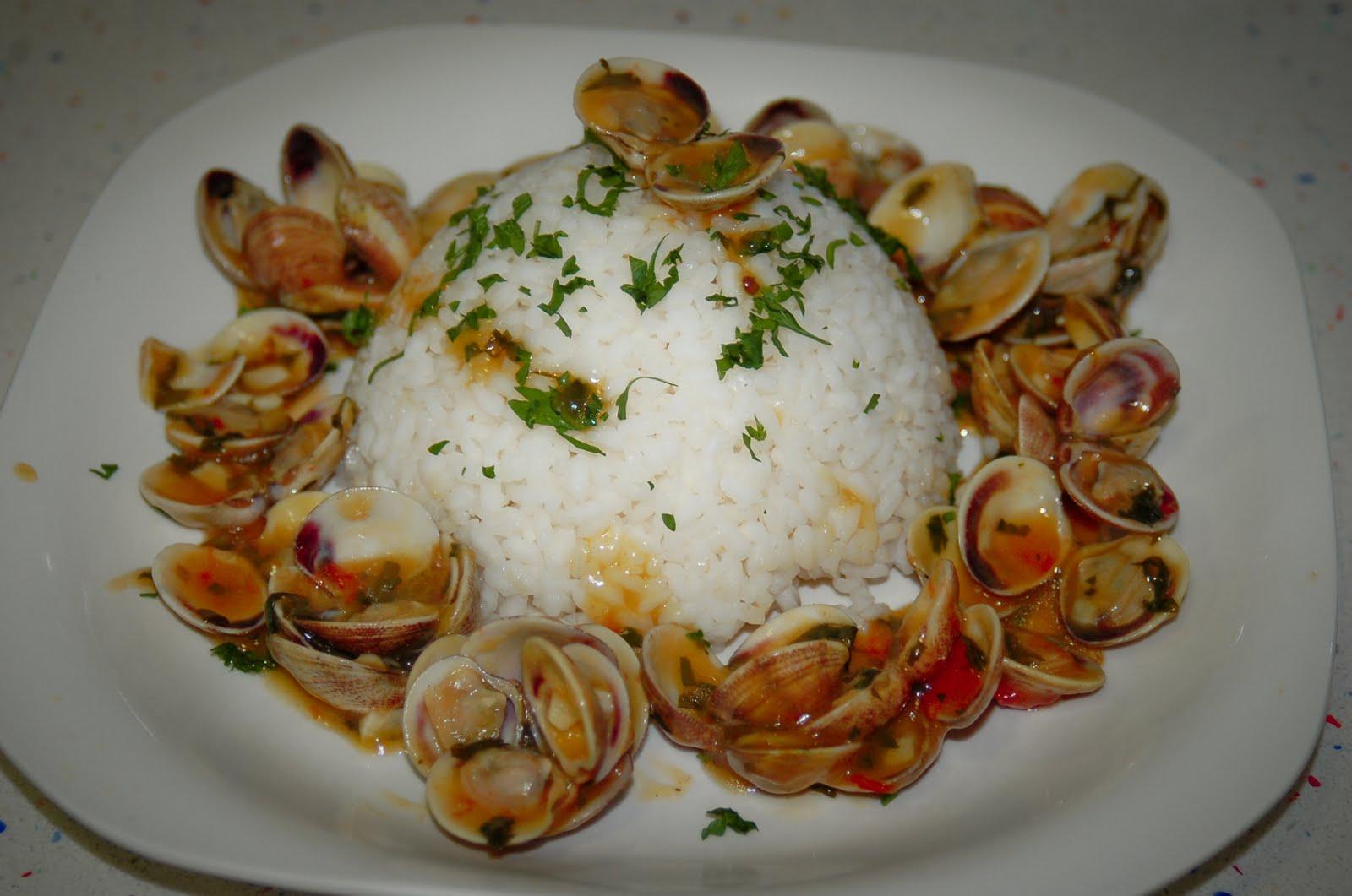 Cocinar sin miedo arroz con almejas y salsa de azafr n for Como cocinar almejas
