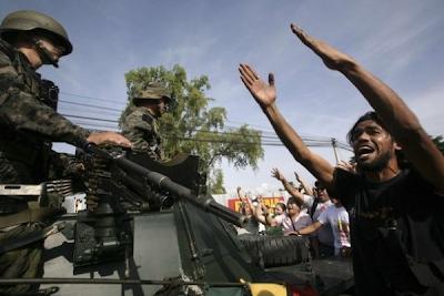 http://1.bp.blogspot.com/_iSfRuXdeXw0/Skk7OhWXx7I/AAAAAAAADt8/kWUPZCr1rrM/s400/Golpe+de+estado+en+Honduras.png