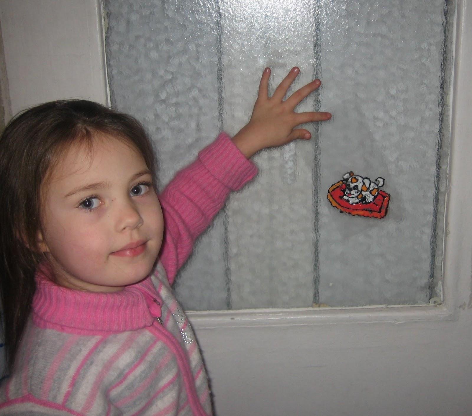 Смотреть папа сделал массаж маленькой дочке бесплатно 30 фотография
