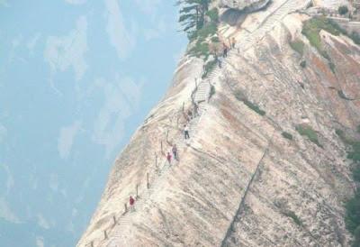 Hiking or tracking 4 Amazing Hiking