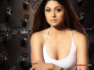 Shamita Shetty boobs