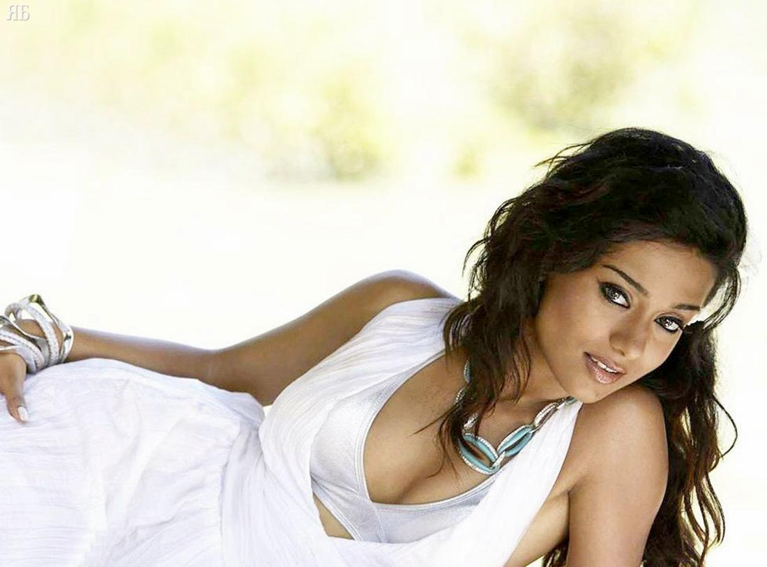Amrita Rao HQ PhotoShoot, Amrita Rao Hot Wallpapers, Amrita Rao Sexiest Pics