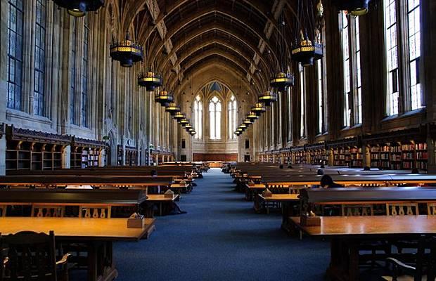 واشهر مكتبة العالم Libraries_010.jpg
