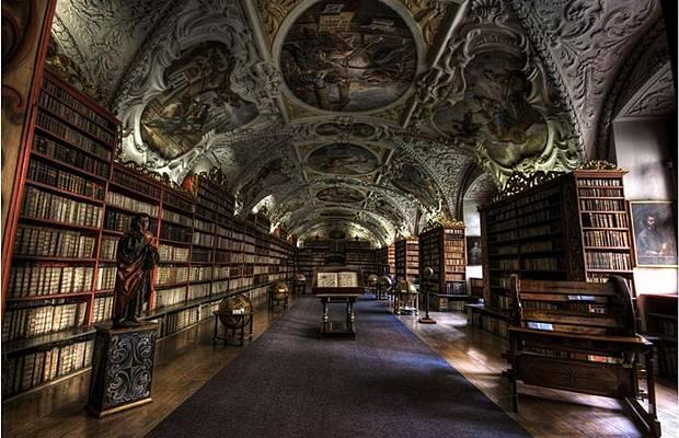 واشهر مكتبة العالم Libraries_021.jpg