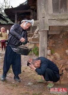 Cara GILA Orang China Potong Rambut1