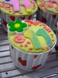 Cup Cake Coklat Stroberry