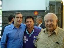 Piassa se encontra com Jorge Mautner e Sérgio Mamberti.