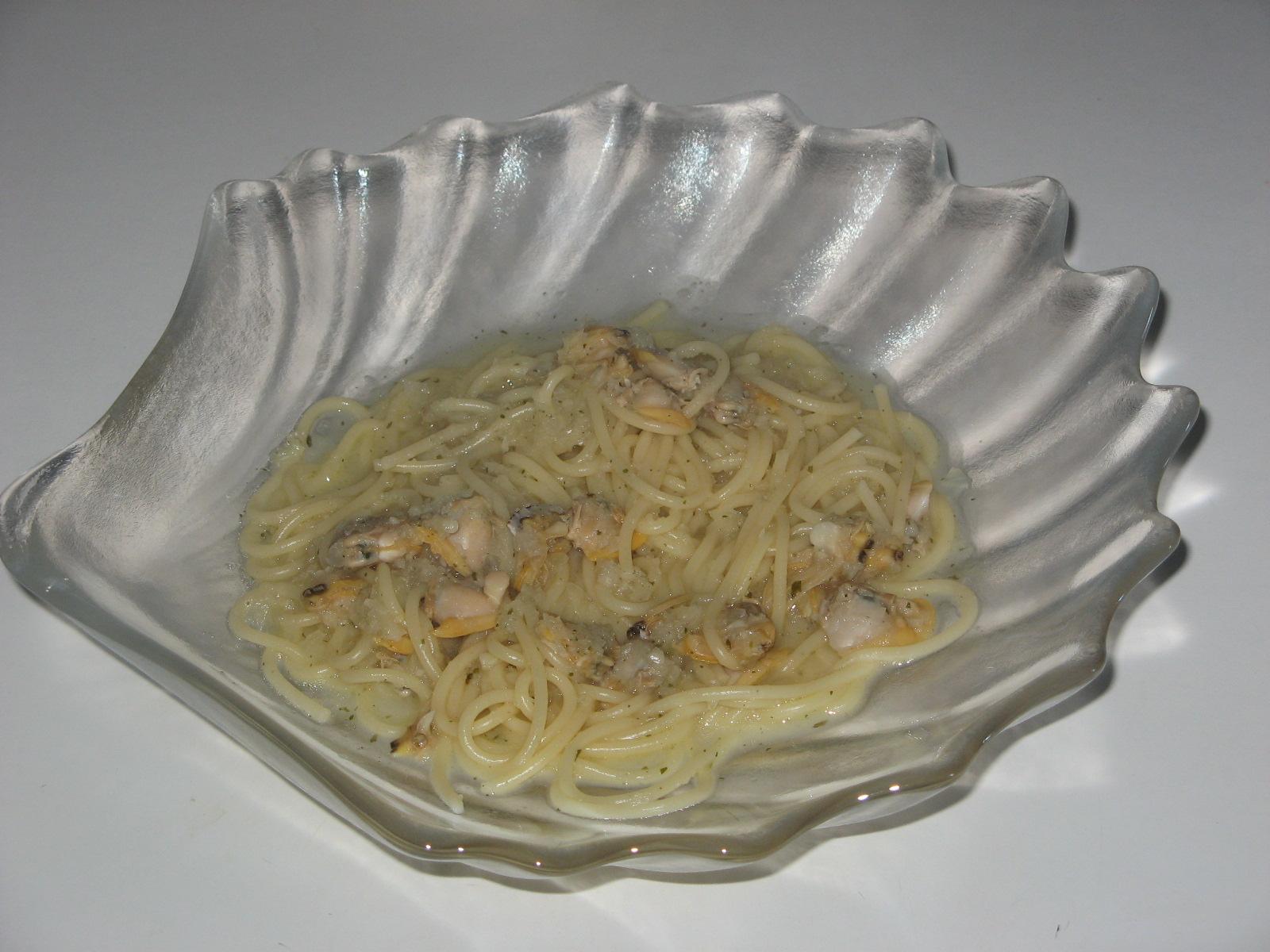 Se me quema la comida octubre 2010 - Espaguetis con almejas ...