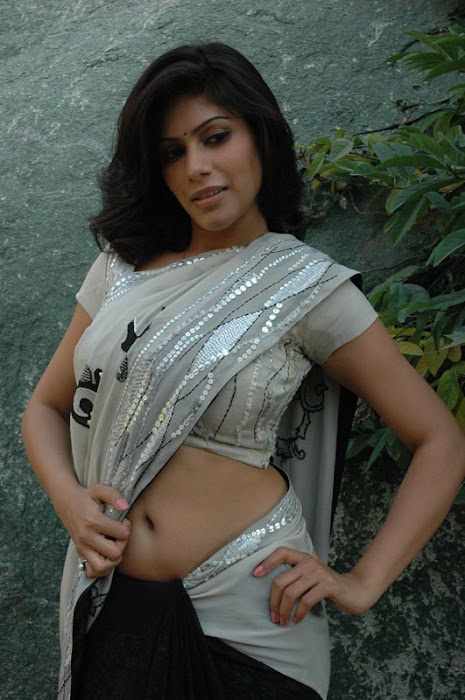 malishka expose hot photoshoot