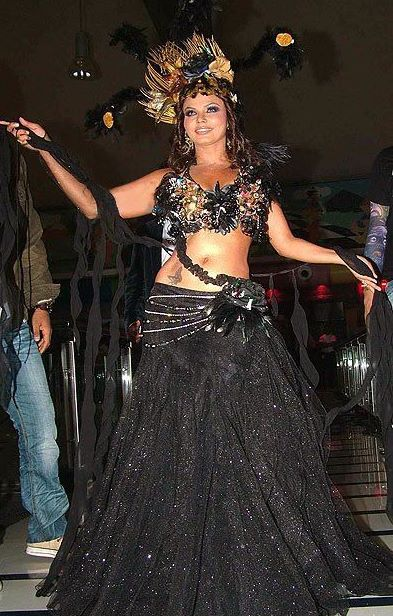 http://1.bp.blogspot.com/_iVee2DUZW3M/TUrB34cl7KI/AAAAAAAAE_o/6nDAwHpv6Kk/s1600/rakhi_sawant_hot_%26_bold_sexy_drama_pics_%285%29.jpg