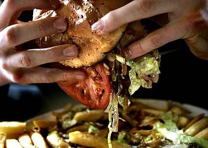 http://1.bp.blogspot.com/_iVgqxAphabA/TNuoubxdlAI/AAAAAAAAAHM/nw8-UfCB6ts/s1600/junkfood-burger-420x0.jpg