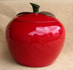 kitsch-apple-jar