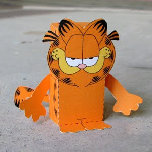 garfield-papercraft-toy