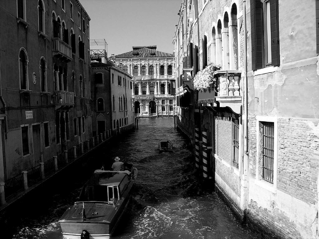 Solo foto italia germania bianco e nero - Tappeto bianco e nero ...