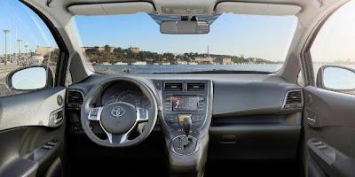 Toyota MPV Interior