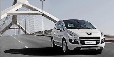 Peugeot 3008 HYbrid4 Exterior