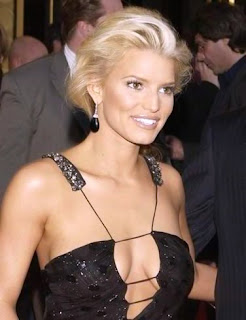 Jessica Simpson to go unclothed only for future husband