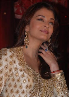 Aishwarya Rai to learn singing