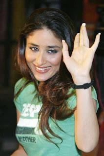 Kareena ditches Saif for Aamir