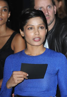 Freida Pinto in Body Crushing Dress