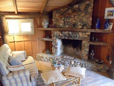 Casa de madeira com lareira