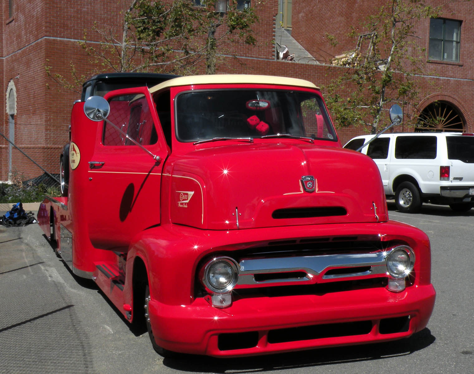 Motors on Just A Car Guy   King Cab 1950 S Coe Ford Hauler From The Temecula Rod
