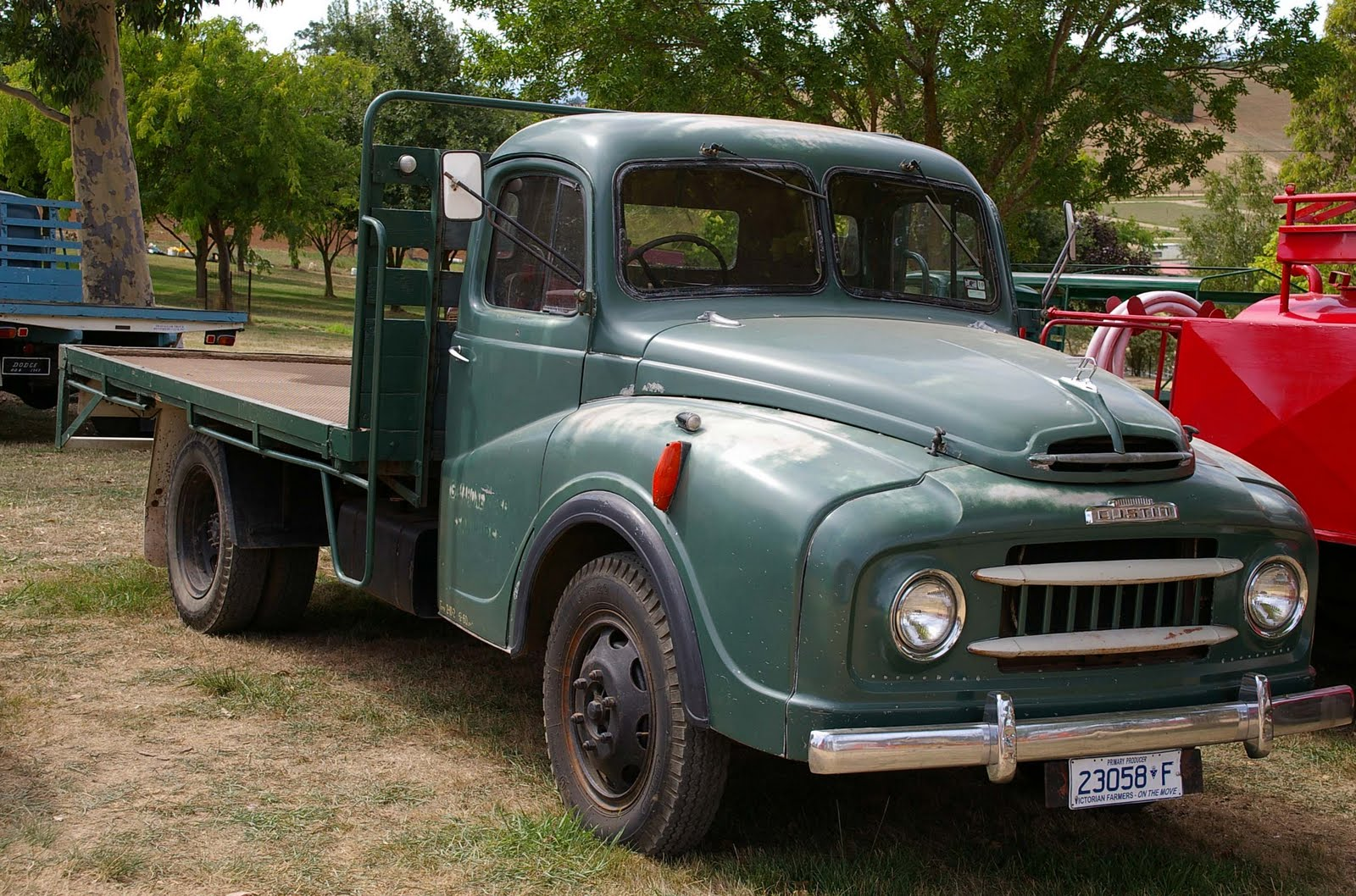 sugarpetite: Historic trucks blogspot comes across cool old trucks ...