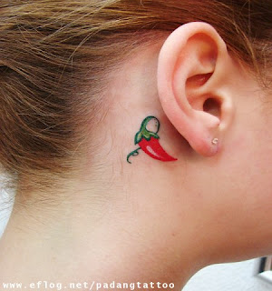 pimenta atrás orelha