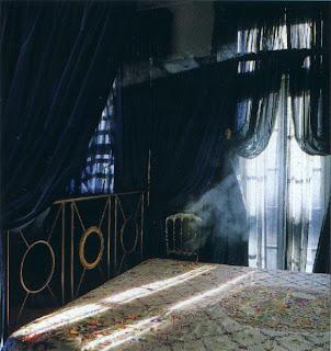 Registro de Vivienda Gothic-taffeta-bedroom