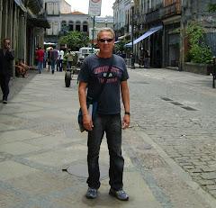 Um dia de passeio na Rua do Lavradio, Rio de Janeiro.