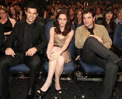 Taylor Lautner, Kristen Stewart et Robert Pattinson aux Peopl's Choice Awards 2011