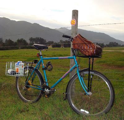 test ride Specialized Hard Rock commuter bike loaded basket panniers