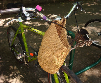 handlebar bag totem feathers bike bicycle