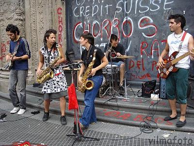 Hoy una banda nacida en bsas pero for Casa musica microcentro