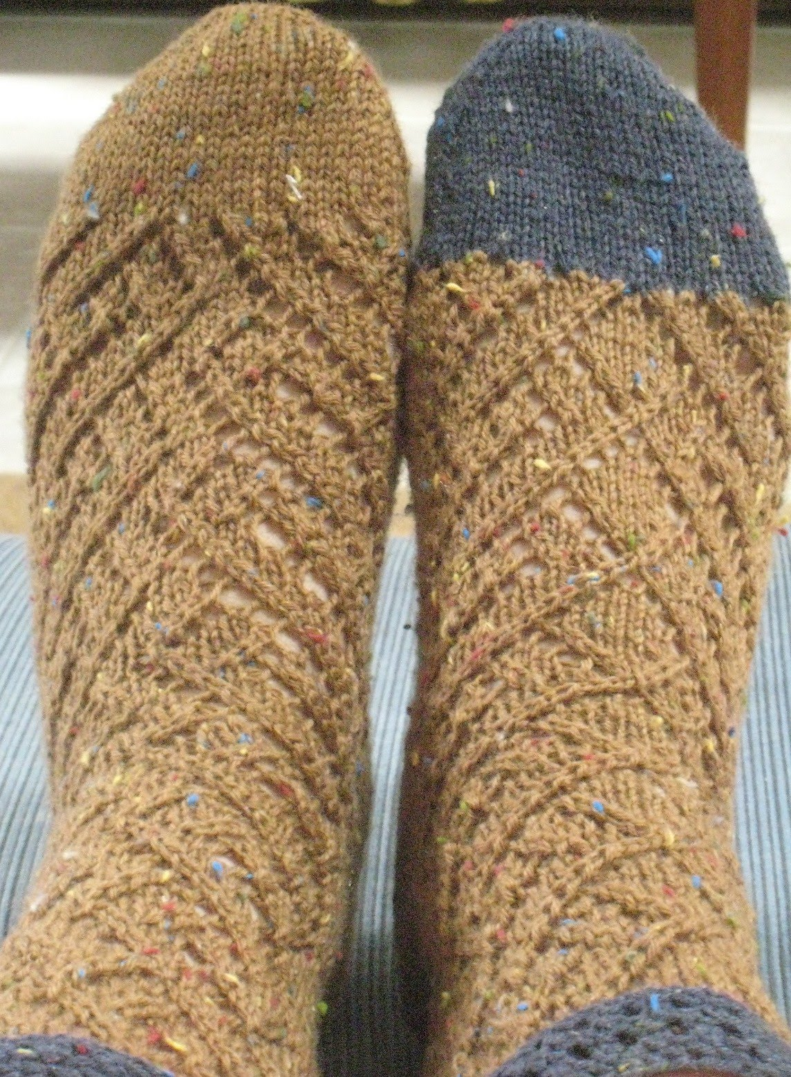 Spiral Socks Knitting Pattern : Carols knitting page: Diamond Spiral Socks