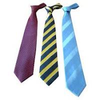 Memilih Dasi Untuk Pria
