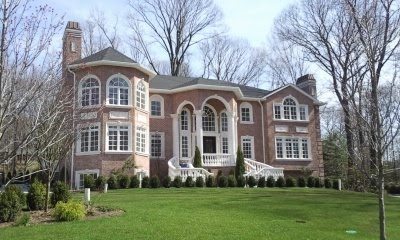 Newly built alpine mcmansion homes of the rich for Alpine nj celebrity homes