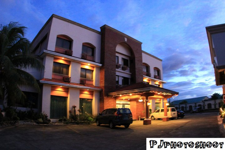 A Nice Place To Stay In When You Re San Pablo City With 23 Rooms Chinese Restaurant Function Halls Videoke And Music Room
