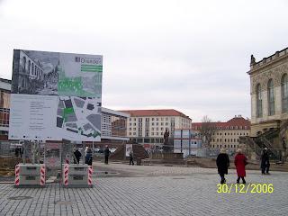 Neumarkt in Dresden an der Frauenkirche