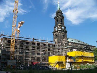 Altmarkt und Hotel Dresden