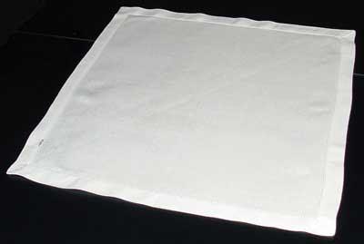 Френско сгъване на салфетки за маса