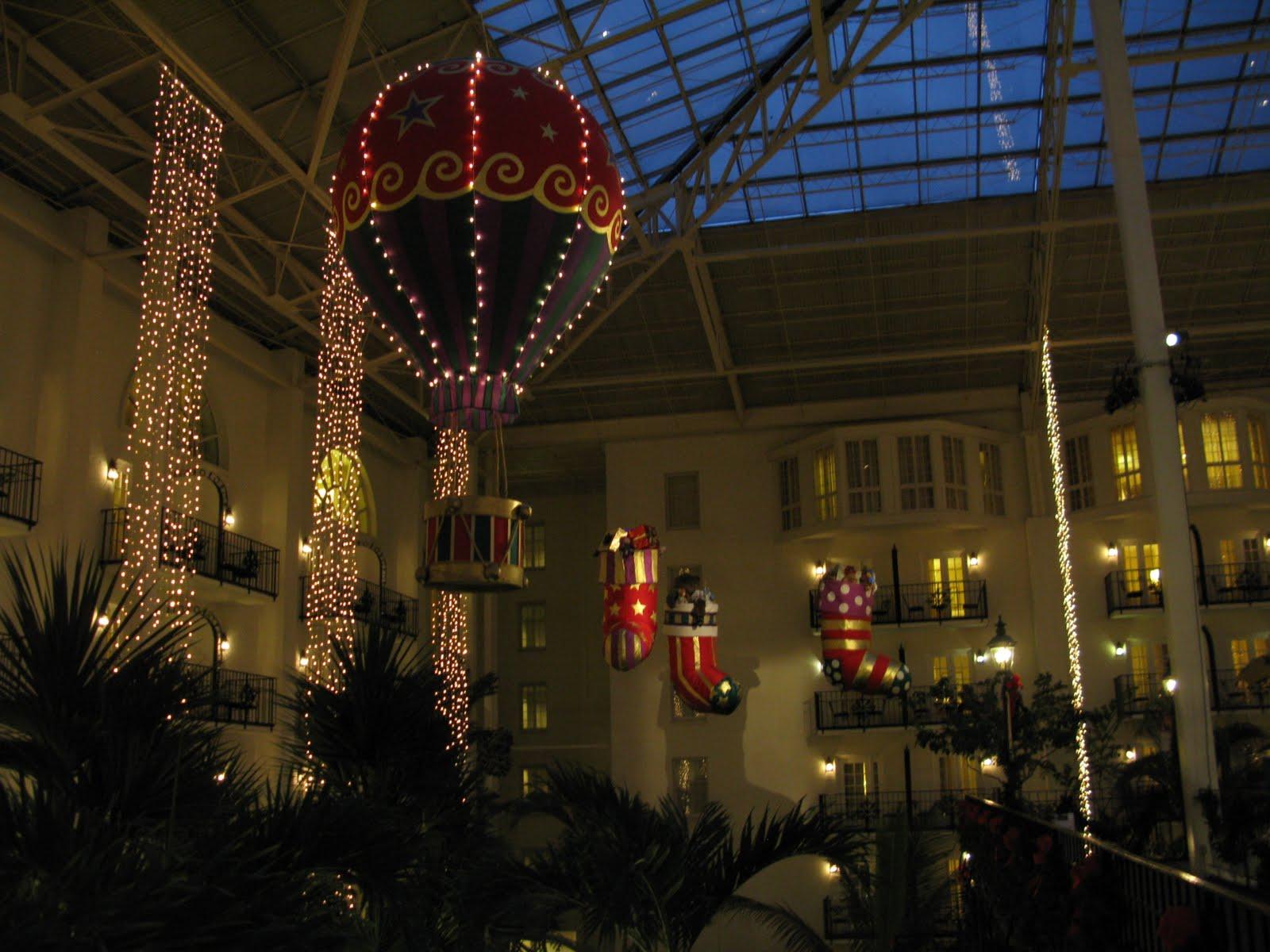 C2C Christmas Light Up At Opryland Nashville
