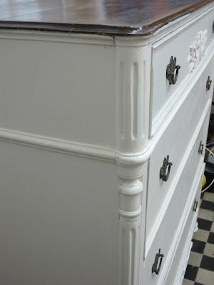 cómoda después de la restauración