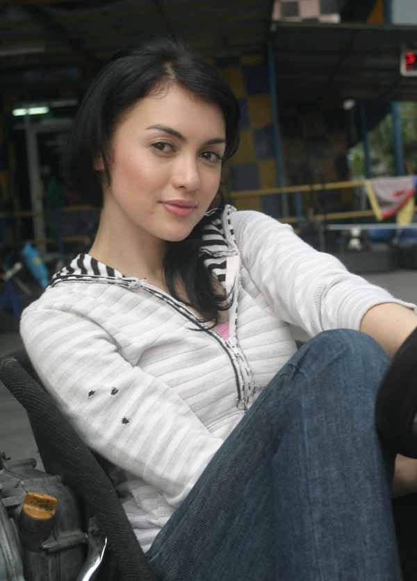 Gadis Gadis Cantik Indonesia Bagaimana Menurut Anda