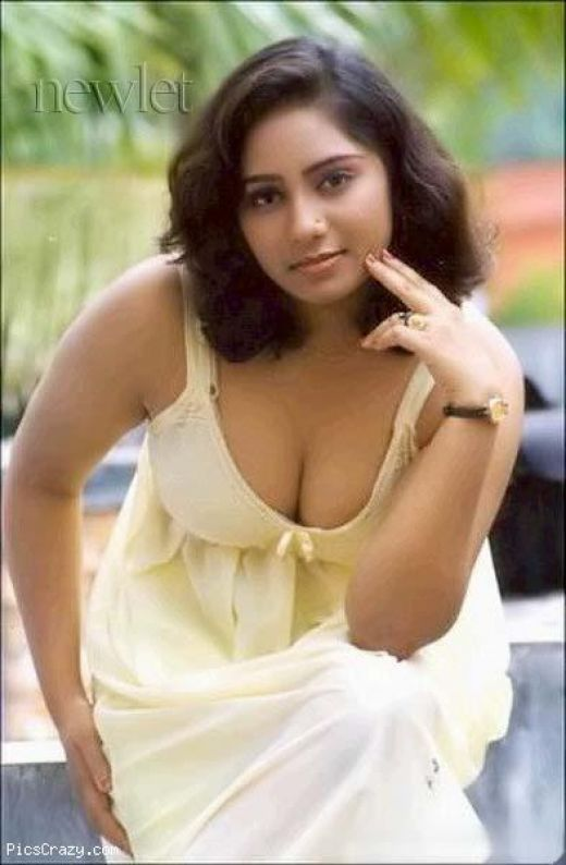 Labels mallu aunties hot