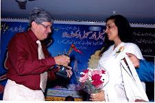 """8 मार्च 2010 को महिला दिवस के अवसर पर मुंबई में आयोजित """" एक शाम लता हया के नाम """" समारोह के चित्र"""