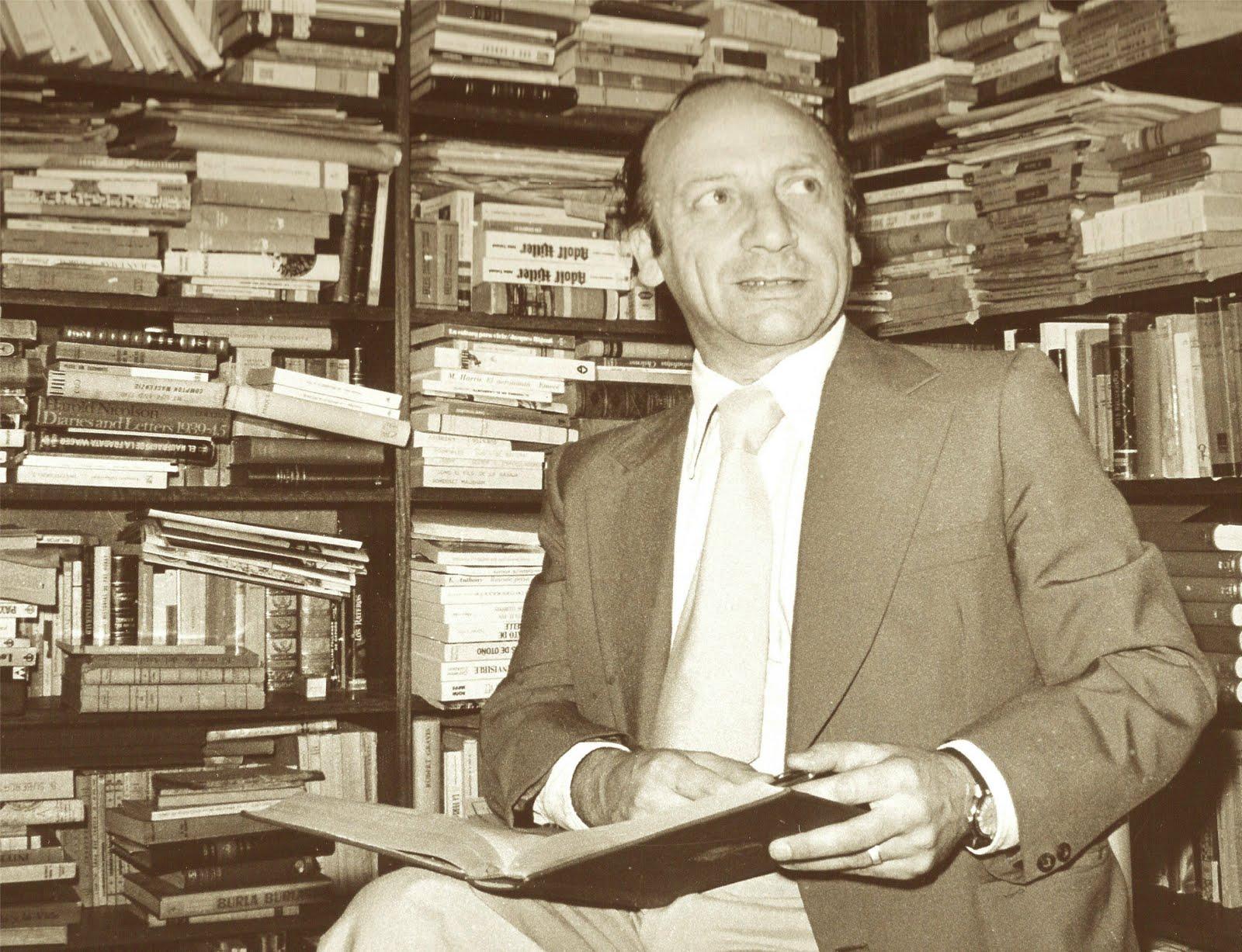 Alfonso Calderón Animal cautivo Alfonso Caldern un ao despus